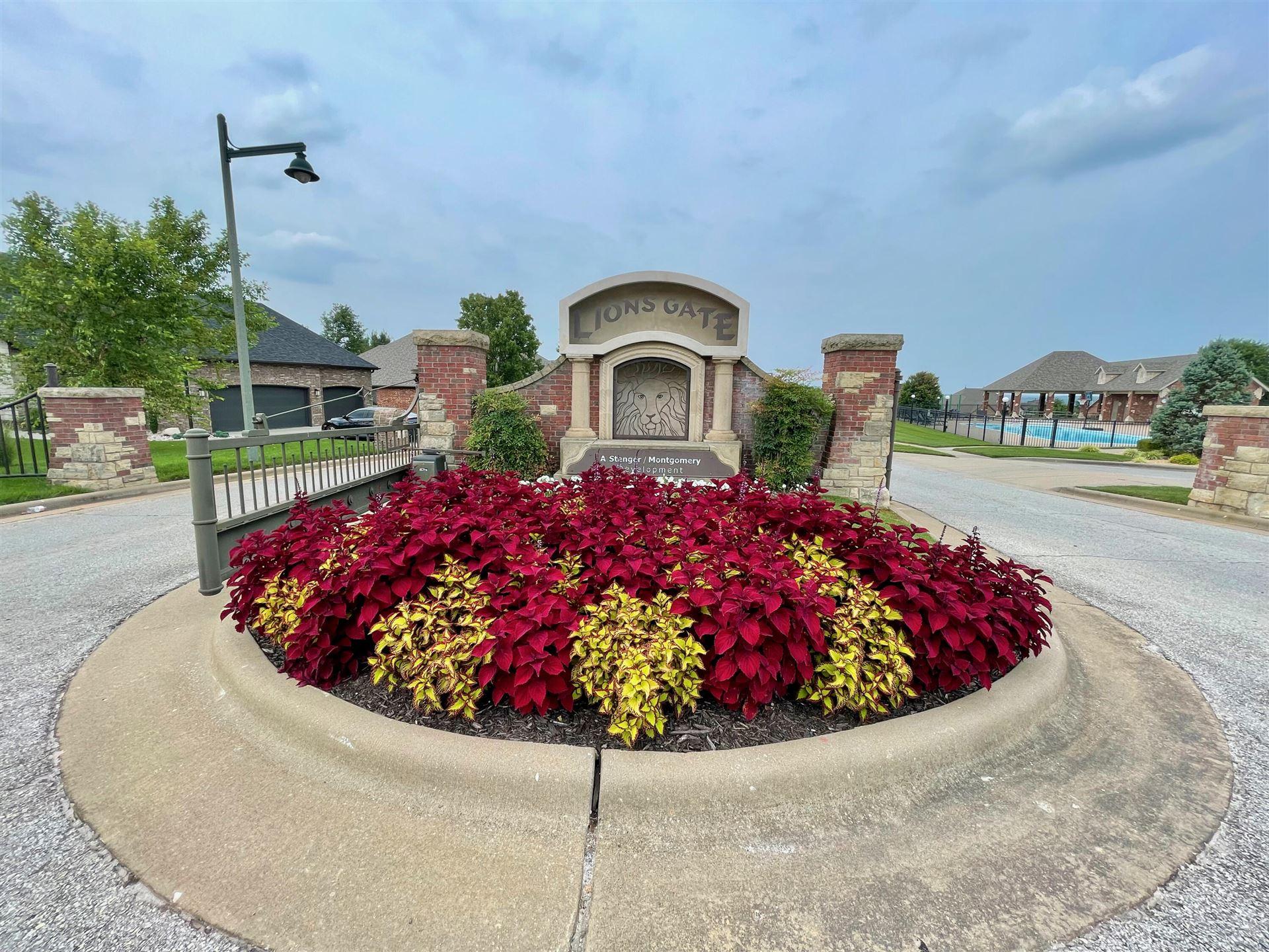 Photo of 1293 West Gaslight Drive, Springfield, MO 65810 (MLS # 60197649)
