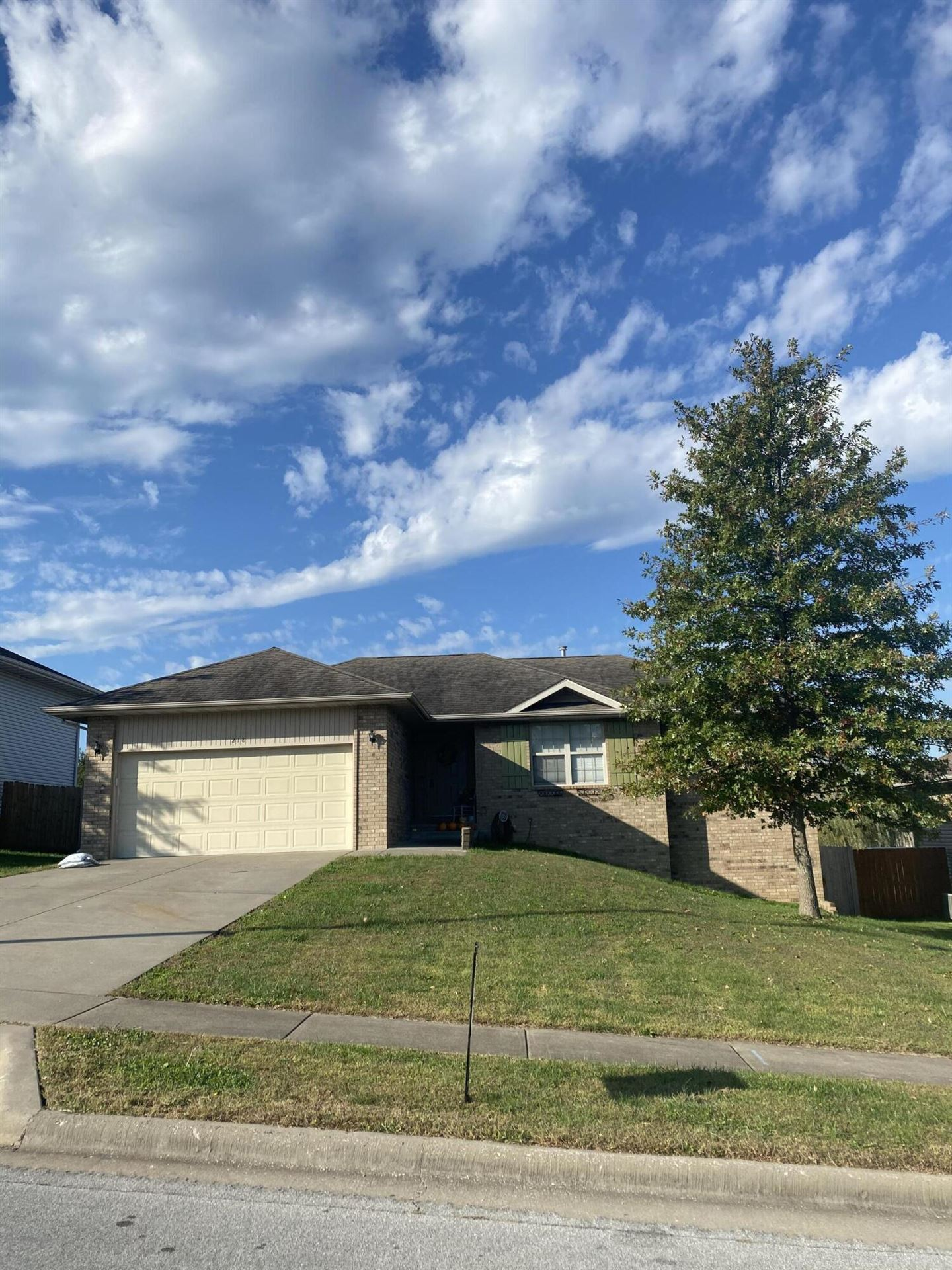 Photo of 218 West Mazzy Drive, Springfield, MO 65803 (MLS # 60203707)