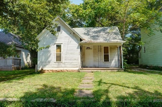 Photo of 1213 North Brown Avenue, Springfield, MO 65802 (MLS # 60199714)
