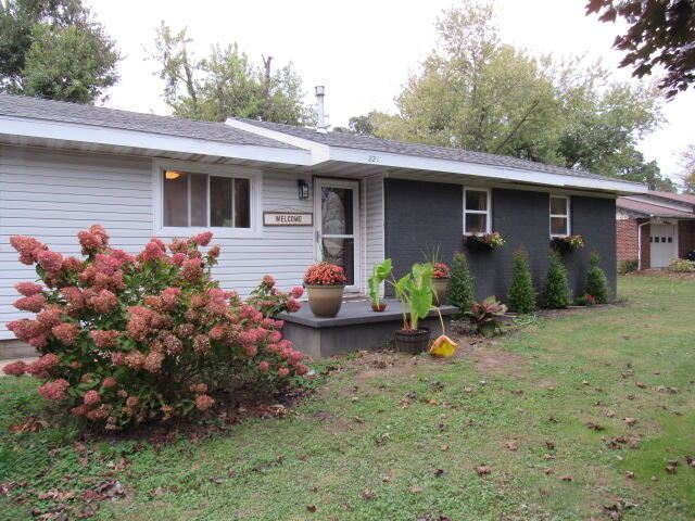 Photo of 221 East Anderson Street, Seymour, MO 65746 (MLS # 60203815)