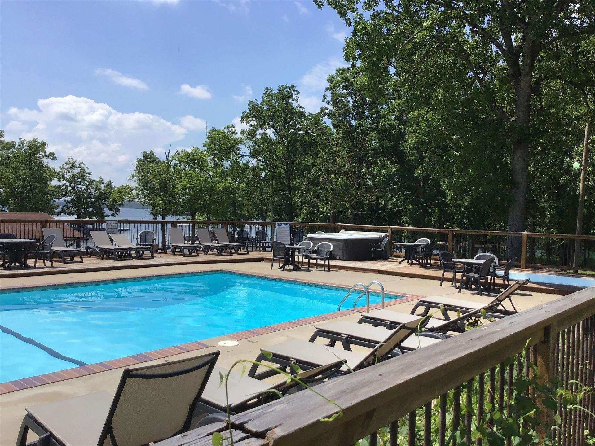 Photo of 164 Dogwood Park Trail #Unit 1207, Indian Point, MO 65616 (MLS # 60200946)