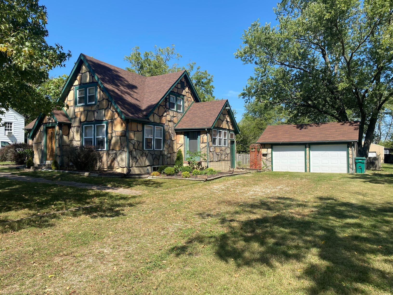 Photo of 305 Pine Grove Road, Willow Springs, MO 65793 (MLS # 60201973)
