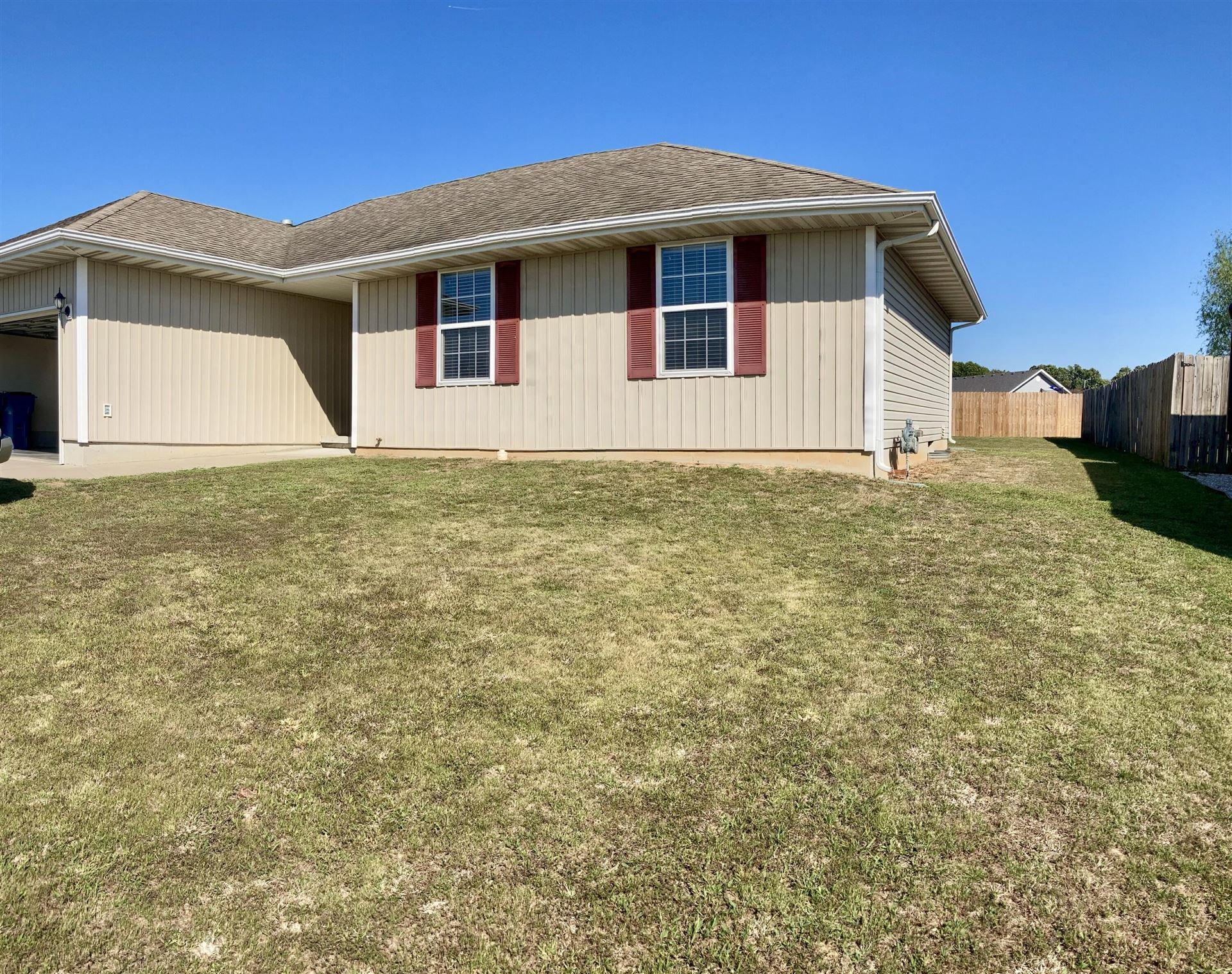 Photo of 116 Cherry Avenue, Clever, MO 65631 (MLS # 60201977)