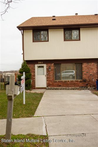 Photo of 360 Rolling Hill Green, Staten Island, NY 10312 (MLS # 1144023)