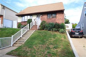 Photo of 123 St Johns Avenue, Staten Island, NY 10305 (MLS # 1133034)