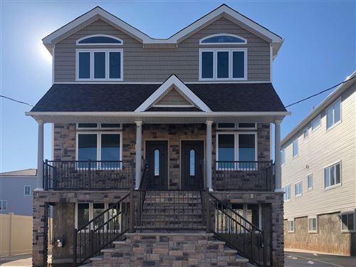 Photo of 48 Mapleton Avenue, Staten Island, NY 10306 (MLS # 1135035)