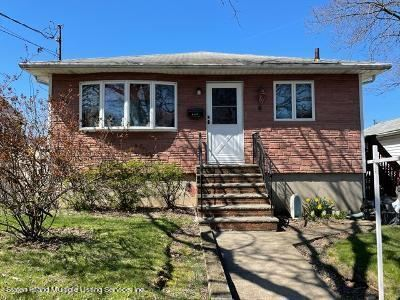 Photo of 170 Woolley Avenue, Staten Island, NY 10314 (MLS # 1144036)
