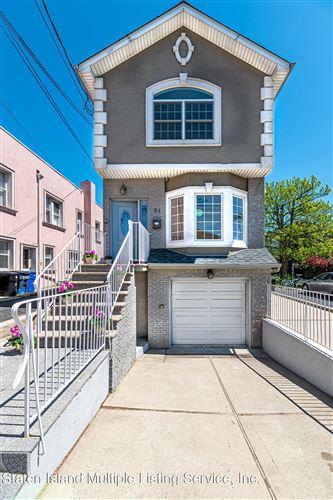 Photo of 21 Hickory Avenue, Staten Island, NY 10305 (MLS # 1146049)