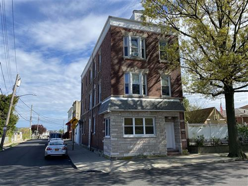 Photo of 68 Jackson Avenue, Staten Island, NY 10305 (MLS # 1137068)