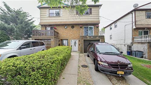 Photo of 402 Harold Street, Staten Island, NY 10314 (MLS # 1137074)