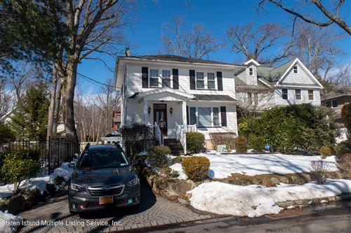 Photo of 305 Edinboro Road, Staten Island, NY 10306 (MLS # 1144077)