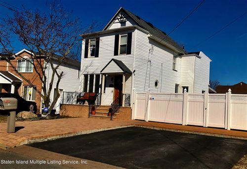 Photo of 61 Van Wyck Avenue, Staten Island, NY 10309 (MLS # 1144086)