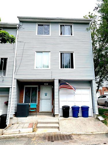 Photo of 665 Ilyssa Way, Staten Island, NY 10312 (MLS # 1137090)