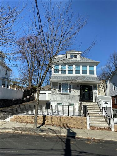 Photo of 33 Hope Avenue, Staten Island, NY 10305 (MLS # 1138091)