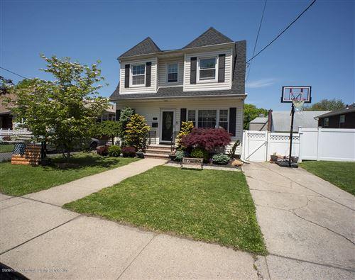 Photo of 433 Purdy Avenue, Staten Island, NY 10314 (MLS # 1137094)