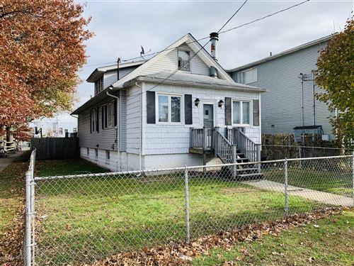 Photo of 175 Van Name Avenue, Staten Island, NY 10303 (MLS # 1137096)
