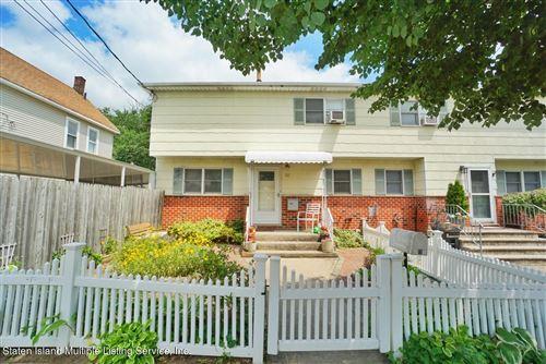 Photo of 15 Christopher Street, Staten Island, NY 10303 (MLS # 1147111)