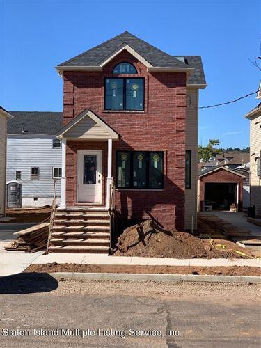Photo of 40 Magnolia Avenue, Staten Island, NY 10305 (MLS # 1150122)