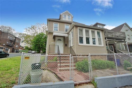 Photo of 163 Westervelt Avenue, Staten Island, NY 10301 (MLS # 1137133)
