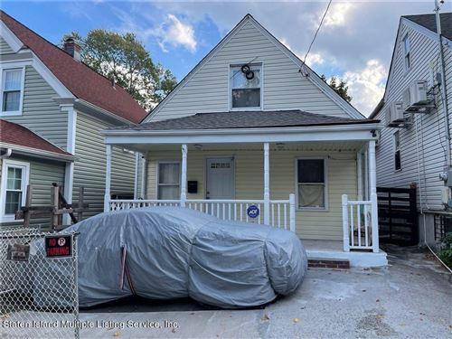Photo of 18 Laurel Avenue, Staten Island, NY 10304 (MLS # 1150137)