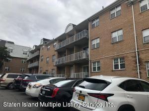 Photo of 85 E Elmwood Park 42 Drive #42, Staten Island, NY 10314 (MLS # 1137146)