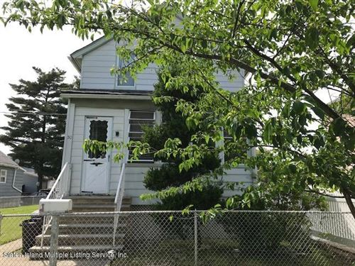 Photo of 30 Gridley Avenue, Staten Island, NY 10303 (MLS # 1137150)