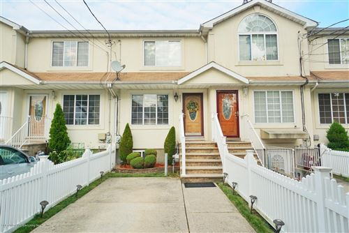 Photo of 237 Taylor Street, Staten Island, NY 10310 (MLS # 1139153)