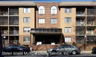 Photo of 120 Wellington 1e Court #1e, Staten Island, NY 10314 (MLS # 1137159)