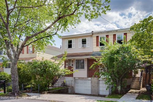 Photo of 950 Clove Road, Staten Island, NY 10301 (MLS # 1145161)
