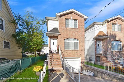 Photo of 354 Simonson Avenue, Staten Island, NY 10303 (MLS # 1150163)