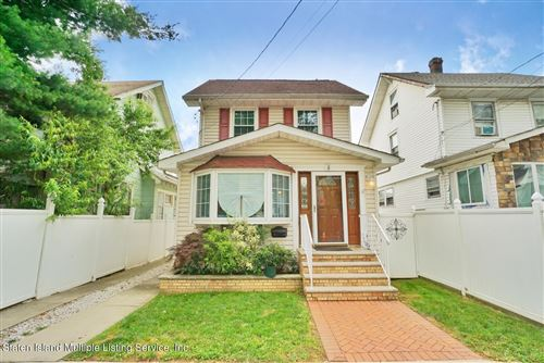 Photo of 5 Taylor Court, Staten Island, NY 10310 (MLS # 1147165)