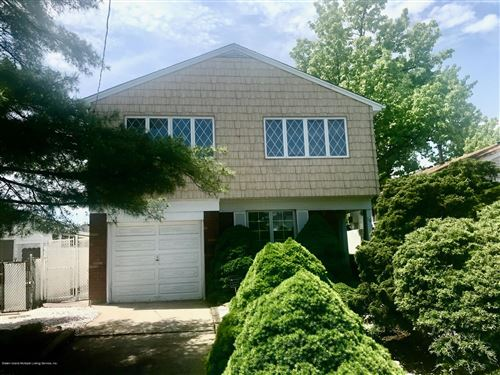 Photo of 16 Walker Place, Staten Island, NY 10312 (MLS # 1137166)