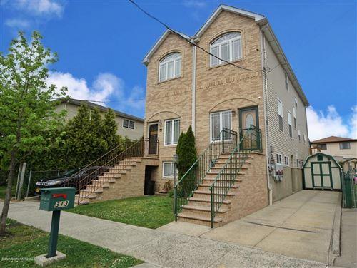 Photo of 313 Roma Avenue, Staten Island, NY 10306 (MLS # 1137172)