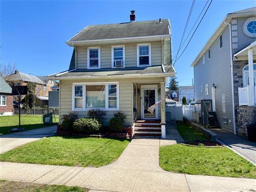 Photo of 154 Dudley Avenue, Staten Island, NY 10301 (MLS # 1145172)