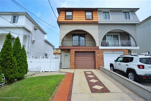 Photo of 31 Mc Veigh Avenue, Staten Island, NY 10314 (MLS # 1139174)