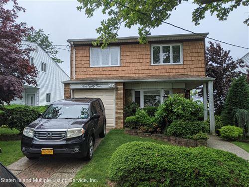 Photo of 484 Mountainview Avenue, Staten Island, NY 10314 (MLS # 1147175)