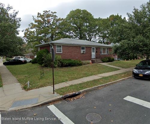 Photo of 106 Park Hill Circle, Staten Island, NY 10304 (MLS # 1147176)