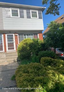Photo of 402 Davis Avenue, Staten Island, NY 10310 (MLS # 1147179)