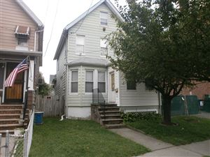 Photo of 346 Heberton Ave, Staten Island, NY 10302 (MLS # 1132188)