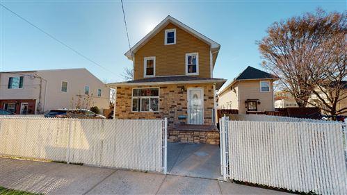 Photo of 136 Arlington Avenue, Staten Island, NY 10303 (MLS # 1145202)