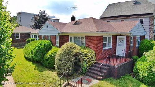 Photo of 610 Tompkins Avenue, Staten Island, NY 10305 (MLS # 1148212)