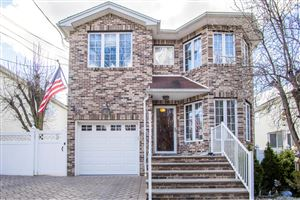 Photo of 236 Holten Avenue, Staten Island, NY 10309 (MLS # 1127213)
