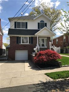 Photo of 611 Oakland Avenue, Staten Island, NY 10310 (MLS # 1127216)