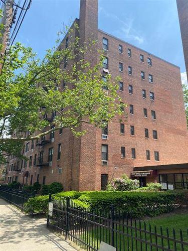Photo of 100 Colfax 4y Avenue #4y, Staten Island, NY 10306 (MLS # 1137218)