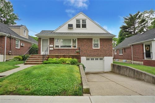 Photo of 72 Crowell Avenue, Staten Island, NY 10314 (MLS # 1137220)