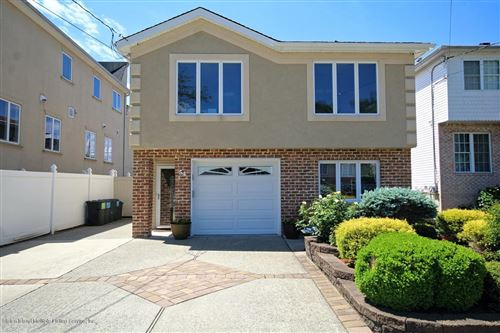 Photo of 54 Sideview Avenue, Staten Island, NY 10314 (MLS # 1137230)