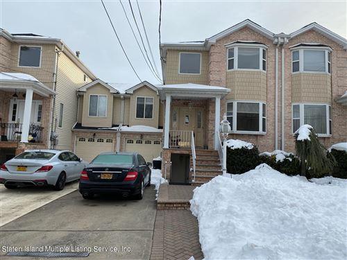 Photo of 121 Sharrott Avenue, Staten Island, NY 10309 (MLS # 1143238)