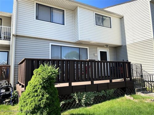 Photo of 433 Willow 1 E Road #1, Staten Island, NY 10314 (MLS # 1137239)