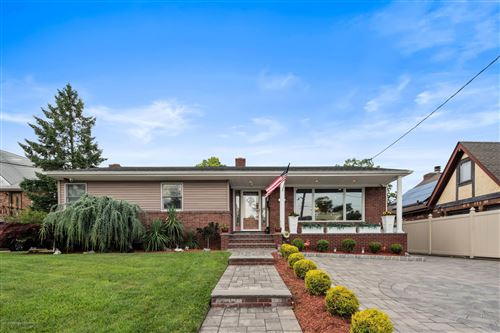 Photo of 714 Hylan Boulevard, Staten Island, NY 10305 (MLS # 1138242)
