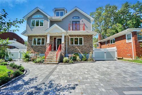 Photo of 68 Kensington Avenue, Staten Island, NY 10305 (MLS # 1150245)